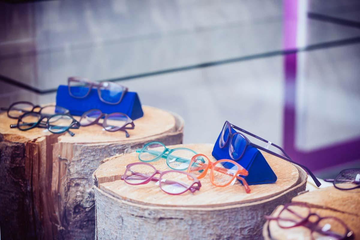 Die Aktuellen Brillenformen Mit Den Größeren Gläsern Sind Flexibler, Augenfreundlicher Und Bieten Ein Großes Sehfeld – Ideal Für Gleitsichtbrillen. Foto © Jonas Ratermann